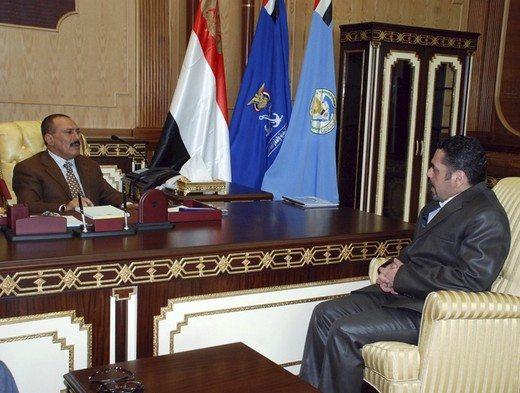 """الرئيس السابق علي عبدالله صالح استقبل سمير قنطار في أبريل ٢٠٠٩ حاملاً رسالة من  حسن نصرالله. وكانت المناسبة تصريحات الرئيس اليمني التي اتّهم فيها """"حزب الله"""" بتدريب """"الحوثيين"""" ومساعدتهم. تضمّنت رسالة نصرالله للرئيس اليمني تأكيداً بأن """"حزب الله"""" لا يتدخّل في شؤون اليمن الداخلية."""