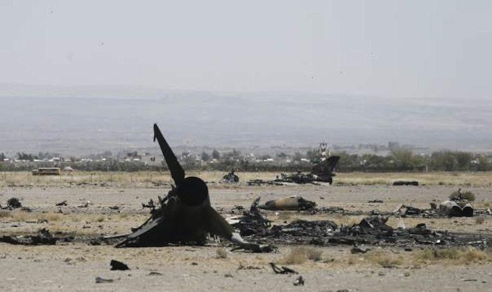 ما تبقّى من مقاتلة يمنية بعد القصف الخليجي