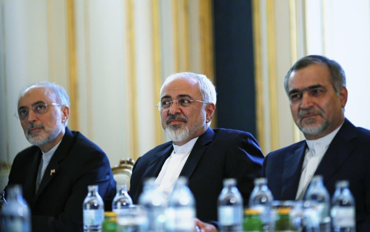 المفاوضون الإيرانيون: صالحي، وظريف، وحسين فريدون