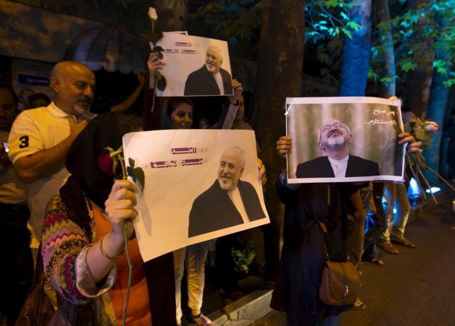 احتفال الشعب الإيراني بتوقيع اتفاق فيينا