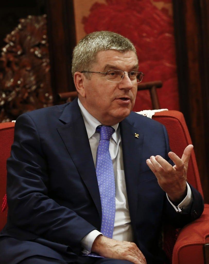 Thomas Bach, le président du CIO, fait parti des responsables du Mouvement Olympique critiqué pour avoir attendu que le scandale de la FIFA ai éclaté avant d'avoir remis en question l'organisme.