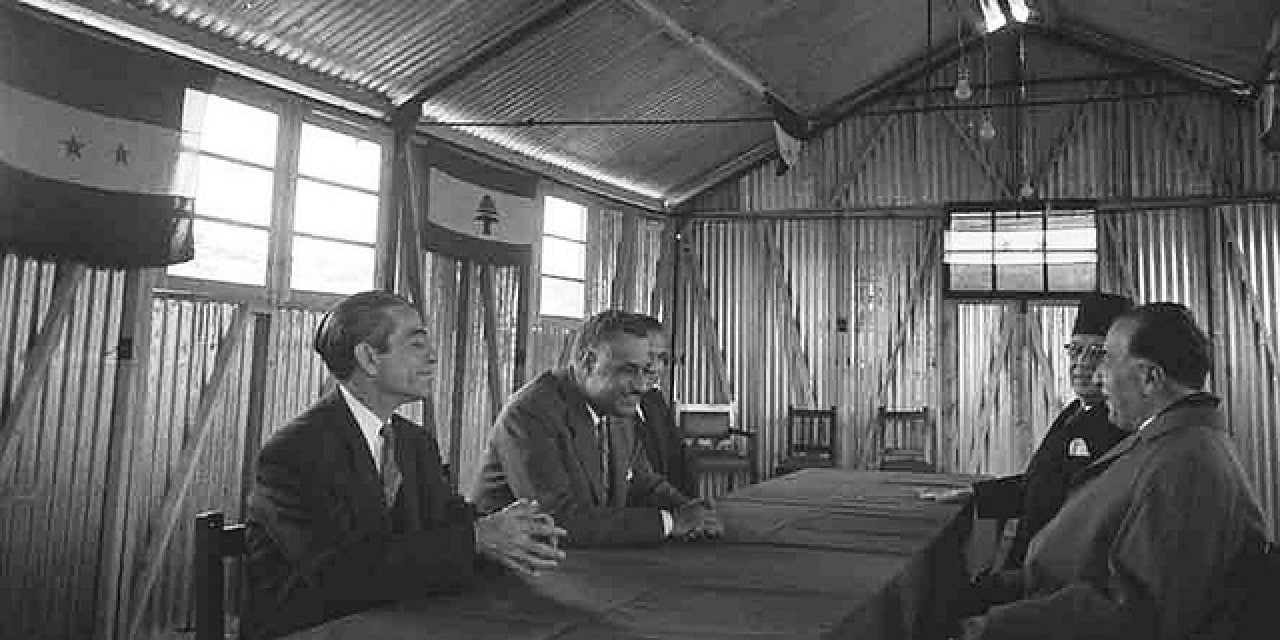 United_Arab_Republic_President_Gamal_Abdul_Nasser_meeting_his_Lebanese_counterpart_Fouad_Shihab_in_1958