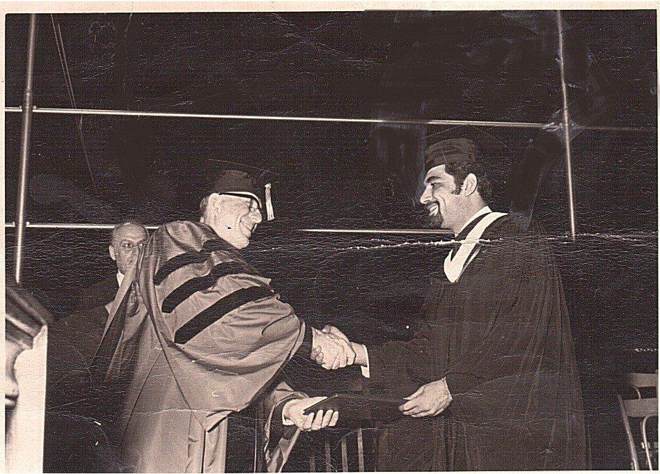 """علي عيد """"خريج جامعة بيروت الأميركية""""!"""