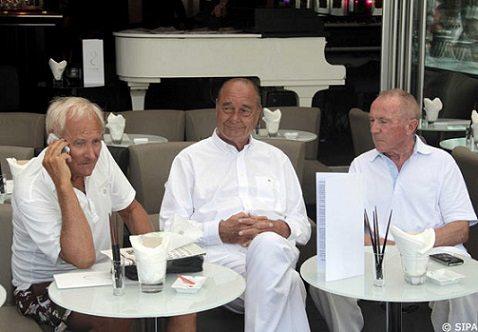 """جيرار دو فيليه مع الرئيس جاك شيراك ورجل الأعمال فرنسوا بينو في """"سان تروبيز"""""""