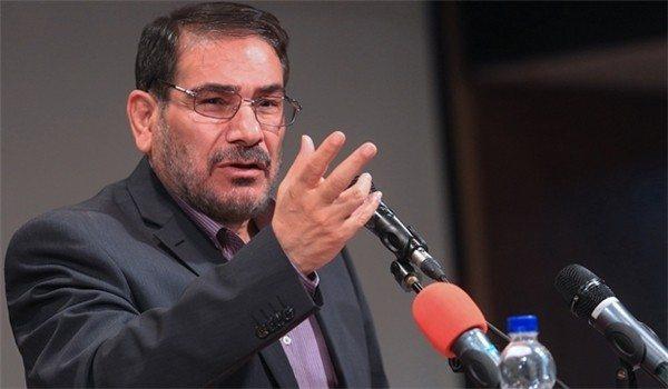 """الأميرال علي شمخاني، أمين مجلس الأمن القومي الإيراني: """"لا مجال للتراجع بعد كل ما استثمرناه في سوريا"""""""