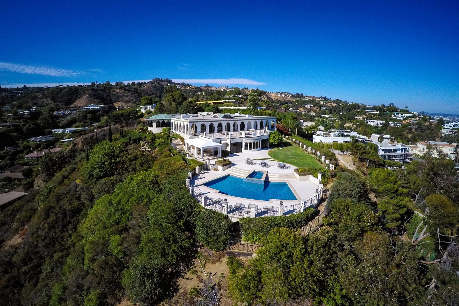"""أغلى بيت في العالم """"للراغبين""""! منزل جيبلبير شاغوري في لوس أنجلوس معروض للبيع بـ135 مليون دولار."""