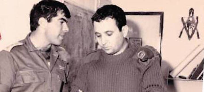 Gabi Ashkenazi and Ehud Barak before the decision to create the security zone (Photo: Yaakov Ben Alfi/GPO)