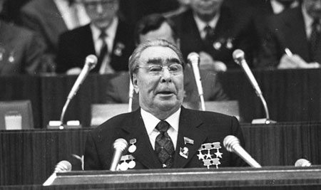"""بريجنيف، آخر """"إمبراطور"""" سوفياتي: هل أسقط انخفاض أسعار النفط إمبراطوريته؟"""