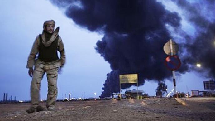 الليبيون استساغوا لعبة الحرب الأهلية ونفطهم.. يحترق!