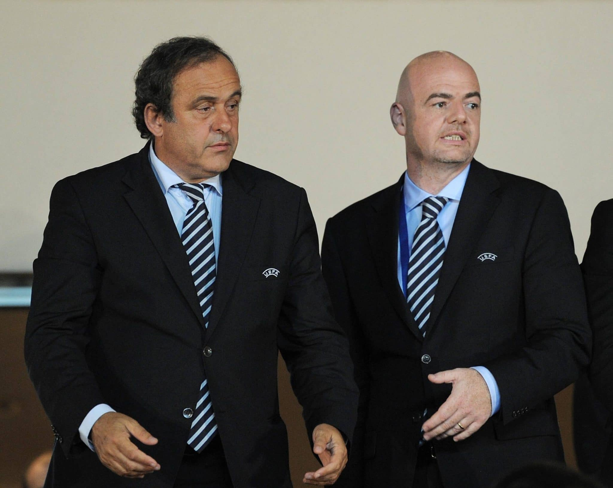 Platini-renonce-a-la-presidence-de-la-Fifa