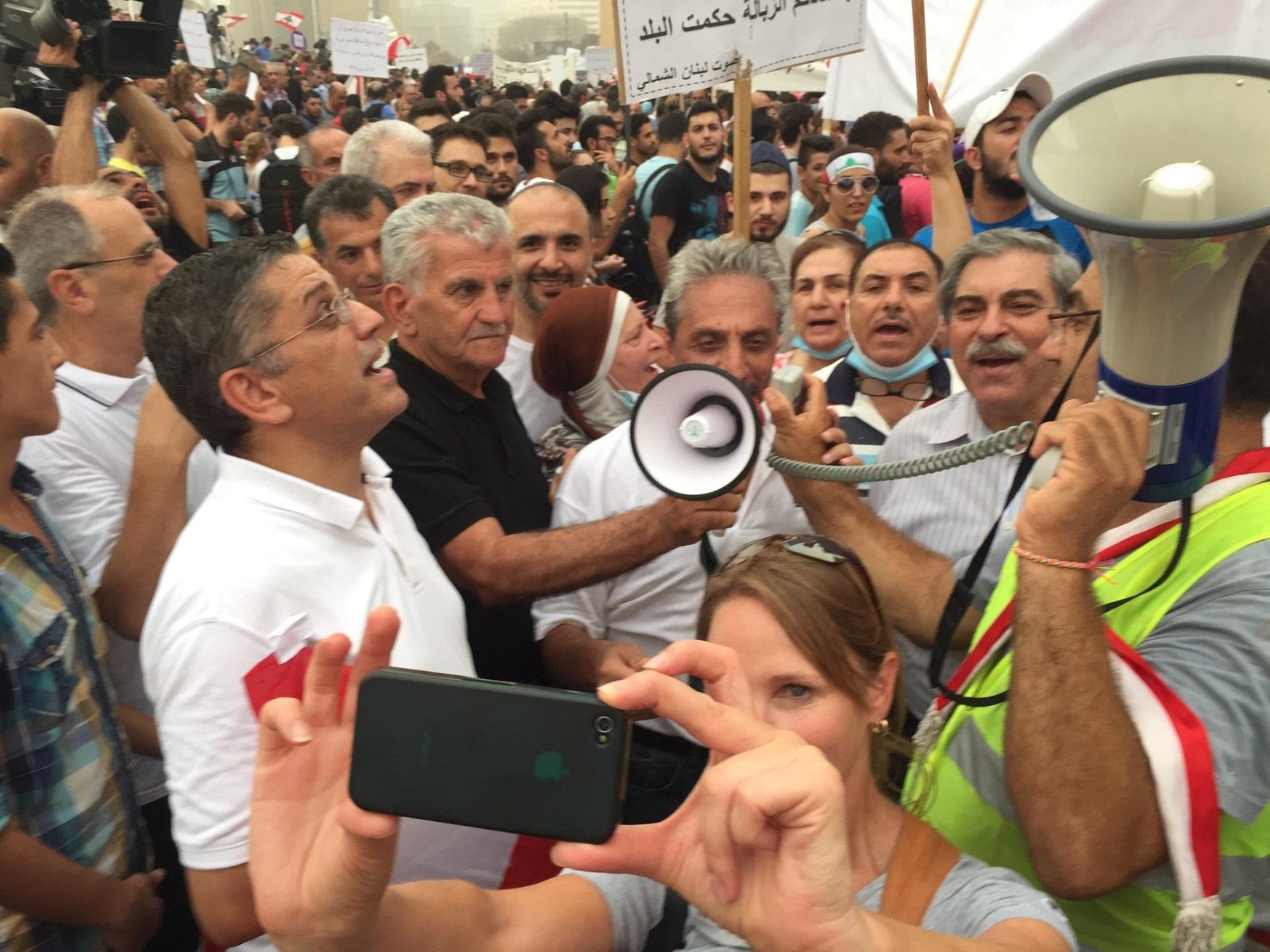 رئيس جمعية بوزار يهتف في مظاهرة ضد ثقافة  الفساد