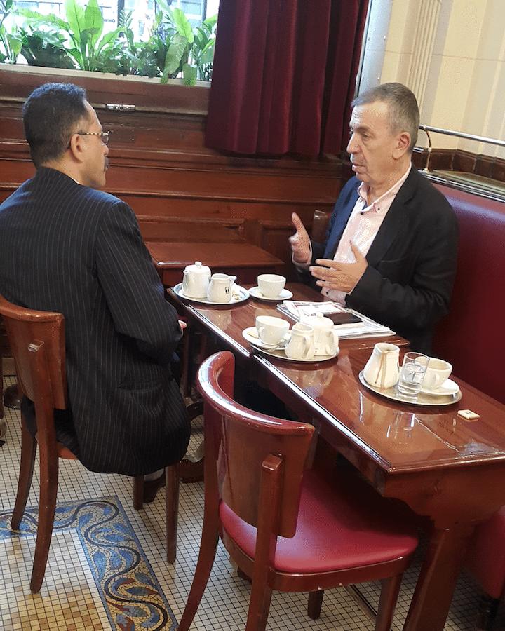 في سان جرمان مع الروائي اللبناني جبّور الدويهي