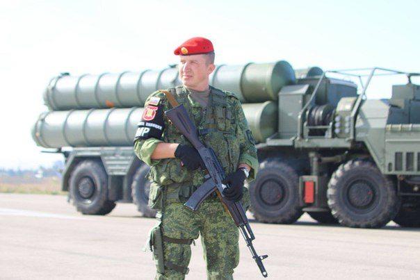 صواريخ إس-٤٠٠ روسية في قاعدة حميميم بسوريا