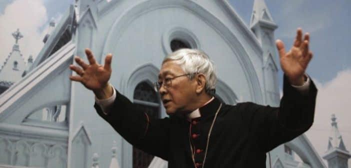 """الكاردينال """"المناضل"""" ضد كاردينال """"الديبلوماسية"""":  حرب كلامية سببها تقاربُ الفاتيكان مع الصين"""