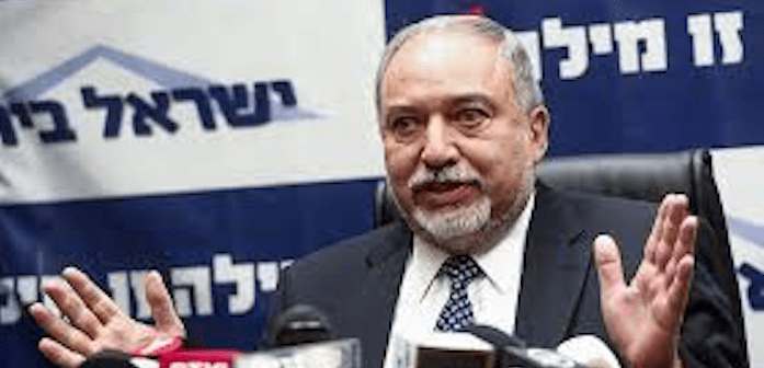 'If Iran hits Tel Aviv, we'll hit Tehran' defense minister tells Saudi paper