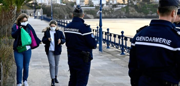 """فيروس كورونا يجتاح فرنسا:  ٢٠٠٠ وفاة و""""الموجة العاتية"""" لم تصل """"الذروة"""" بعد!"""