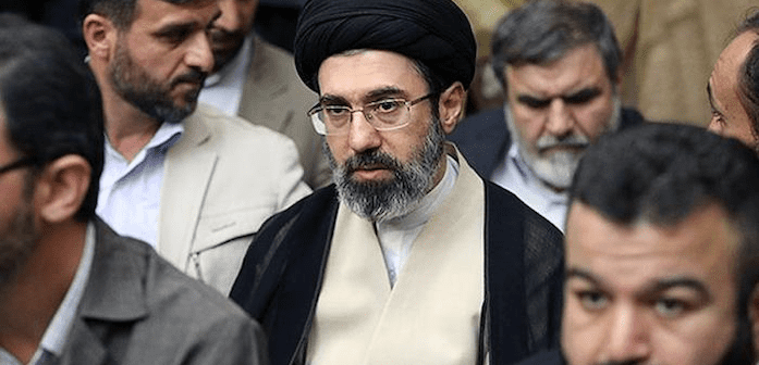 هل سيلعب مجتبى خامنئي دوراً في الخلافة الإيرانية؟