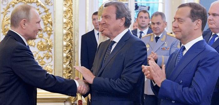 Comment Vladimir Poutine étend sonréseau d'«influenceurs» en Europe